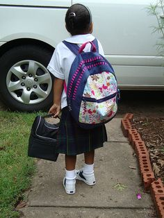 Backpack tute http://www.flickr.com/photos/54732467@N00/sets/72157606792274491/