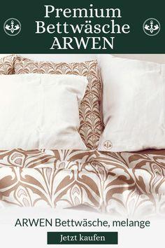ARWEN ist eine hochwertige Bettwäsche mit feiner Satin-Haptik, aus 100% Baumwolle gefertigt. Ihr dezentes Design mit Wiener Note wurde an ein klassisches Lilienmuster angelehnt, was sie absolut zeitlos macht. Als Wendebettwäsche mit einer reinweißen und einer gemusterten Seite kann ARWEN ganz nach Lust und Laune kombiniert und verwendet werden. Arwen, Bed Pillows, Pillow Cases, Note, Collection, Design, Comforters Bed, The Last Song, Art Nouveau