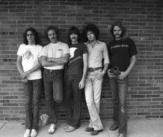 """Don't hurt yourself, young America. Glen Frey, Bernie Leadon, Randy Meisner, Eagles Band, Jackson Browne, Soul Singers, Hotel California, American Music Awards, Beautiful Voice"