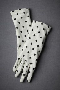 Ooh, polka-dot gloves!  I wish gloves and hats would come more into fashion again!  Love these!