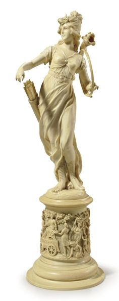 A CONTINENTAL CARVED IVORY FIGURE OF DIANA - PROBABLY DIEPPE, LATE 19TH CENTURY.: