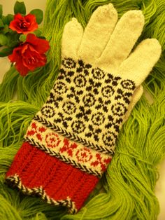 Gloves from Peetri district, Central Estonia