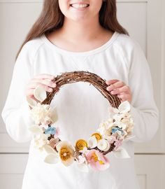 This DIY Felt Flower Wreath is the perfect colorful addition to a door or wall. This wreath project includes making felt hydrangeas, anemones, and rosettes. Felt Flower Pillow, Felt Flower Wreaths, Felt Wreath, Diy Wreath, Small Pink Flowers, Bunch Of Flowers, Faux Flowers, Indoor Wreath, Felt Diy