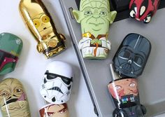 If you are a Star Wars fan, you owe it to yourself to get one of these Star Wars Mimobot Flash Drives. If you are a die hard fan, you should be collecting all the drives in the entire series. Usb Gadgets, Star Wars Characters, Die Hard, Toys For Boys, Flash Drive, Computers, 3d Printing, Fan, Electronics