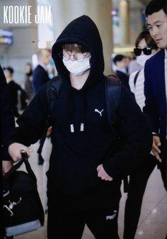 JungKook no Aeroporto de Incheon [260617]