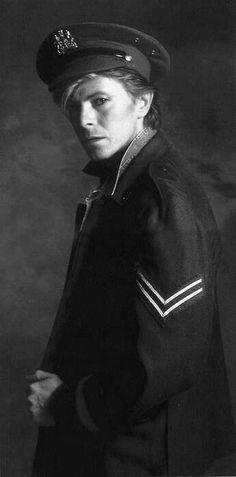 gloriajareth: David Bowie marinheiro Olá