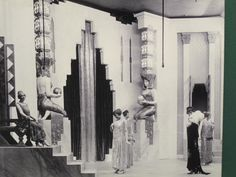 Marshall Field's 1920s window display - not clearly visible for fashion, this picture, but interesting for the lavishness of 1920s shopping displays!
