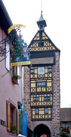Altstadt Riquewihr im Elsass - Glockenturm