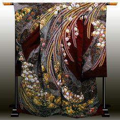 Traditioneller Kimono, Kimono Japan, Kimono Fabric, Traditional Japanese Kimono, Traditional Dresses, Japanese Geisha, Japanese Textiles, Japanese Fabric, Shibori