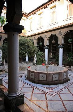 middle eastern courtyards