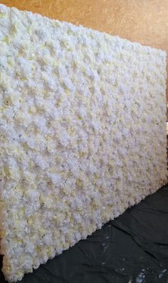 flower wall, flower backdrop, backdrop, floral backdrop, roses, white, ecru, cream, artificial flowers, scianka kwiatowa, flowers, kwiaty, decorations, wedding decorations, wedding, event, event decorations, ślub, flower decorations, dekoracje, dekoracje weselne, dekoracje kwiatowe