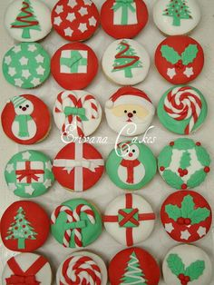 Simple and Creative Christmas Themed Cupcake Designs and Decorating Ideas_06
