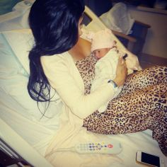 Look fabulous in the hospital after giving birth.