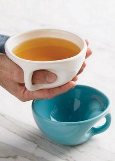 Как вы думаете с чего начинается каждое утро? Ну конечно же, с кружечки крепкого кофе или бодрящего чая. И эти кружечки бывают такими разными :) Согласитесь, мы выбираем такую кружку, чтобы было приятно начинать новый день. У меня, например, несколько кружек. И каждая предназначена для определенного напитка: для кофе, для чая, для компота. Но есть такие оригинальные кружки, на которые смотришь и…