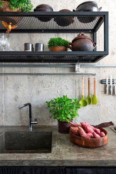 Industrial Kitchen Design, Vintage Industrial Furniture, Industrial Interiors, Industrial House, Metal Furniture, Modern Kitchen Design, Kitchen Interior, Loft Design, Küchen Design