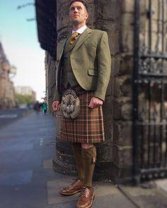 Flodden Kilt Outfit Scottish Army, Scottish Dress, Scottish Clothing, English Army, Men In Kilts, Kilt Men, Formal Coat, Tartan Kilt, Sports Jacket