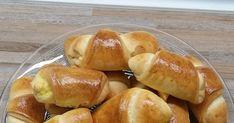 Νόστιμα, αφράτα τυροπιτάκια για τον καφέ!!! Βγαίνουν 80 κομμάτια !   Υλικά  2 αυγά  2 ποτήρια νερού γάλα  3 φλ.του καφέ σπορέλαιο  1 μαγ... Pretzel Bites, Food And Drink, Bread, Brot, Baking, Breads, Buns