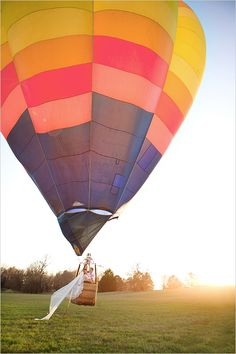 Hot Air Balloon wedding inspiration with amazing details! Captured By: Hello Gorgeous Photography.