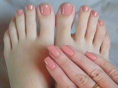 Have you discovered your nails lack of some modern nail art? Yes, lately, many girls personalize their nails with lovely … Pretty Toe Nails, Sexy Nails, Pretty Toes, Fun Nails, Heart Nail Designs, Nail Art Designs, Stylish Nails, Trendy Nails, Sns Nails Colors