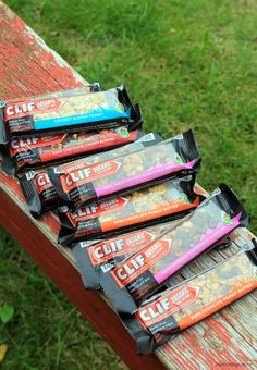 Clif Bar Review - Organic Trail Mix Bars #glutenfree #vegan #vegetarian #delicious