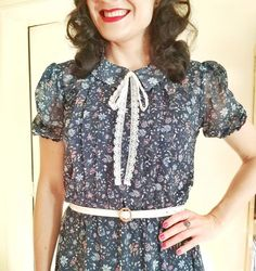 Super sweet Bonnie Dress! Sew Over It, Dress Sewing, Blouse Dress, Sewing Crafts, Sewing Patterns, Blouses, Knitting, Business, Crochet