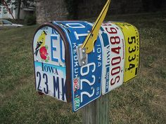 Old Plates Don't Die They Just Mailbox Away! - Mailboxes - Don't know what to do with old those plates you collected over the years? We found an idea for you, why not making an original mailbox?