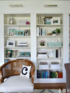 HOME TOUR Cream and mocha with black, white and a splash of turquoise. Pretty nice.