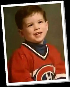Aww who's the cute little squirt? Why it's #87 Sid Crosby that's who...