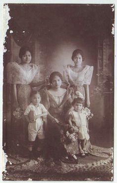 1920's Philippine women and children.