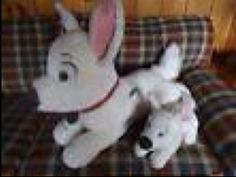 these cuddly toy dogs were LOST at Toulouse Blagnac Airport 20/2/2014. Looks like this. Contact: https://twitter.com/Sheridaaaan