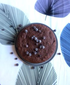 TRY THIS! So good healthy pb chocolate cake Ingredients: -50-100 grams of dates (seedless) -3 tbsp peanut butter (add more if u like) -1 ripe banana -1 egg -3 tbsp cocoa powder -1 dl oats (or oat flour) -1 tsp baking powder - Blend together dates, pb and banana, add egg and mix. Mix the dry ingredients and add to the wet mixture. Bake in 220 degrees about ten minutes!