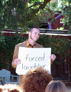 I want to talk about cue cards. We first mentioned  about this idea way back in 2007 and it's still giggle-worthy. This particular helpful groomsman was the cue card master at Yolkai and Antho…