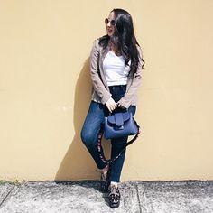 Wearing a jacket with one of my favorite #2017 trends: #pleats  You can find this look in http://ift.tt/1RVtfgu (link in bio)! BTW sabias que todos los días hablo de distintas tendencias en mi página de facebook? Si te quieres enterar de que esta in y que esta out búscame en #facebook: Fashion Over Matter