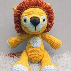 Lenny Lion amigurumi crochet pattern by Janine Holmes at Moji-Moji Design