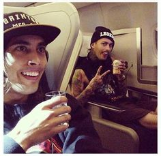"""Describe Pierce the Veil in One Picture"""