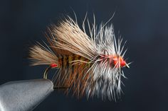 Fly tying the Simulator fly step-by-step and how-to video featuring expert tier Charlie Craven.
