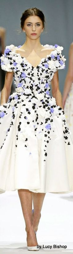 Ralph & Russo ~ Couture Summer White Cocktail Dress w Violet Floral Applique 2015
