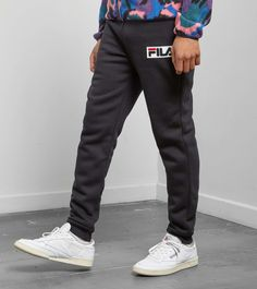 Fila Lazey Fleece Pant - find out more on our site. Find the freshest in trainers and clothing online now.