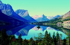 Glacier National Park - the most stunningly beautiful place in the US that most people never go to