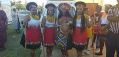 Jabu & Thabani's Gorgeous Zulu Wedding - South African Wedding Blog Zulu Traditional Attire, African Traditional Wedding Dress, Traditional Wedding Attire, Traditional Outfits, Traditional Weddings, African Bridesmaid Dresses, African Wedding Attire, Wedding Store, Wedding Blog