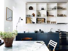 Cozinha com Bancada Azul. Fotógrafo: Jonas Ingerstedt.