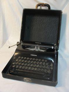 1938  Corona Standard Typewriter w/ Floating Shift Art Deco Style