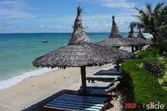 """22 kilometers North Eastern Phan Thiet, Binh Thuan Province, Mui Ne is a group of beaches, such as Ong Dia beach, Front beach and Back Beach.  The name """"Mui Ne"""" derived from the fact that fishersmen get in here to hide the storm on their fishing days. """"Mui"""" means cape, and """"Ne"""" means hiding. Tourists can easily be attracted by the deep blue of the sea, the goldern of the sun and sand, all converging in warmth and purity."""
