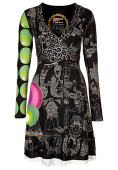 Desigual dress - have this one and LOVE it!-so Phoebe Buffay Pretty Dresses, Beautiful Dresses, Masai Clothing, T Shirt Noir, Patchwork Dress, Boho Look, Colourful Outfits, Fashion Wear, Dress Codes