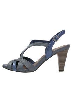 10 plateau sandaler på 2 budgetter | Costume.dk