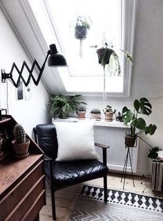 Reading Corner | Urban home | home | minimalist decor | home decor | decor | livingroom | room | spaces | Scandinavian | interior design | Schomp MINI