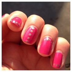 Manucure rose et petits pois #nails #nailart