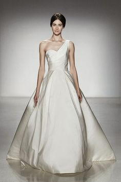As to this wedding dress, the outer is made of organza fabric and the lining is made of satin fabric. The combination of these two fabrics allows the skirt ...
