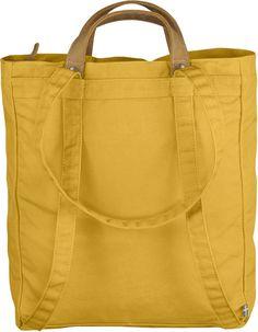 Kevyt ja kätevä laukku, täydellinen pieniä ostoksia, uintivarusteita ja päivän aikana tarvittavia tavaroita varten. Valmistettu Fjällrävenin G-1000-kankaan vahvemmasta muunnelmasta, ja pohjaa on vahvistettu kaksinkertaisella kankaalla. Aukon vetoketju pit
