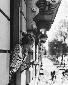 ♛ her monochrome life ♛ Paris Photography, Girl Photography Poses, Coffee Girl, Black And White Pictures, Black White, Black And White Photography, Scene, Photoshoot, Illustration